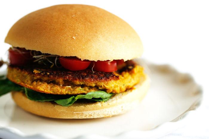 Zoete-aardappelburger