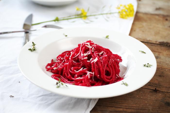 pasta met rode biet